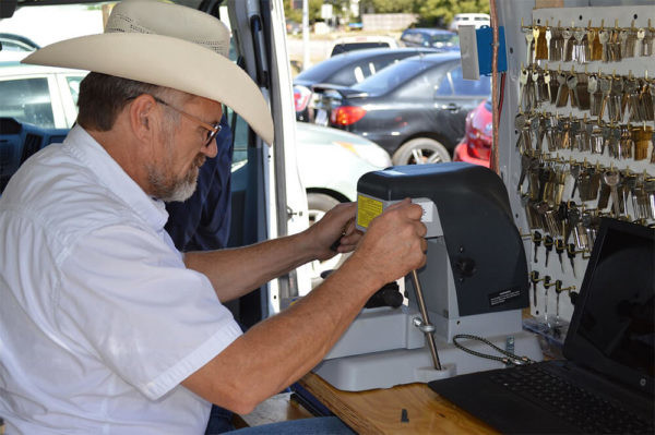 Duplicate Keys Maker Near Me | Locksmith Milpitas